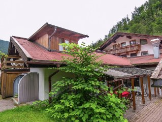 Holiday home in Chiemgau with balcony, sauna, pool and incl. eXtra card!