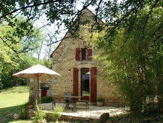 Beautiful terraced house on private estate near Saint-Cirq-Madelon (3 km)