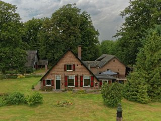 Beautiful monumental coach house on a lovely country estate near Park de Hoge V