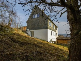 Renovated holiday home on a quiet road near the tourist centre