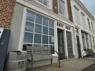 Beautiful apartment with free Wi-Fi along the marina in Zierikzee