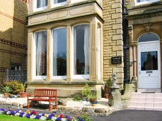 WOODLANDS SUITE, family friendly in Lytham St. Annes, Ref 918303