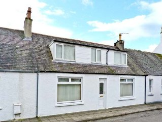 RALSTON COTTAGE, pet friendly in Gatehouse Of Fleet, Ref 15835
