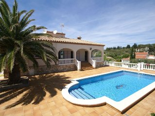Superb apartment at 100 meters from the beach with private pool and garden