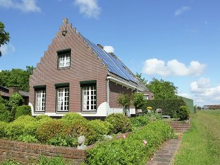 Cosy Holiday Home in Egmond aan den Hoef near Sea