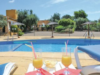 5 bedroom accommodation in Hornachuelos