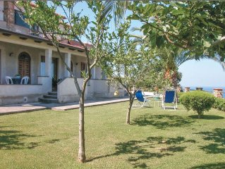 2 bedroom accommodation in S.Maria Di C/Te SA