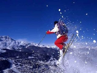 Experience Ultimate Powder Skiing, Great Accommodation in Fernie, B.C.