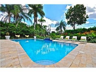 Ft. Lauderdale, Wilton Manors, 3 bd/2ba, heated pool, sunny yard, just remodeled
