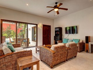 FAMILY BEACH HOUSE: Sleeps 6, 3 Min walk to BEST BEACH in Town, 6 BEACH CRUISERS
