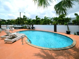 Beautiful Pool Home walk to the shops, dining, or bike to the Beach!
