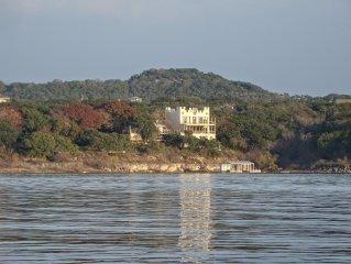 Lakefront Castle Eco House With Multi-level Decks Sleeps 14, Boat Dock Austin