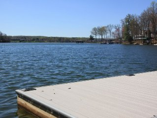 Lake House-Great Location, Renovated , Quiet Cove,Wonderful Water Views