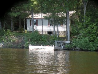 ** Pemaquid Lakefront Cottage-10' Motorized Boat & Kayak, Fishing, Swimming **