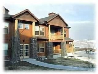 Very nice 2BR and only $195 per night !