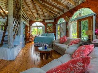 ROMANTIC COTTAGE 50 FEET FROM SECLUDED PRIVATE BEACH