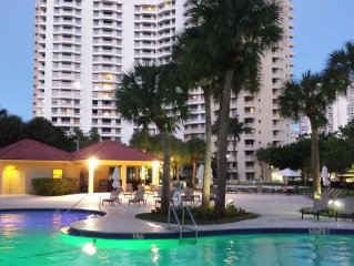 Beautiful 2 beds / 2 baths apartment in the Heart of Aventura