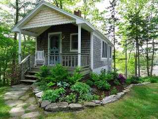 Cozy, Charming Waterfront Cottage, Quiet with Superb Views of the Penobscot Bay