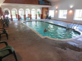Free indoor Pool-Tax free OUTLETS- Xmas shopping-Price reduced