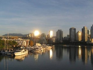 Vancouver False Creek: Deluxe Waterfront TownHome at Granville Island