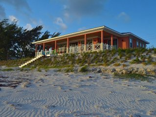 NEMO HOUSE - New Luxury Beachfront - Perfect for 4 couples OR 2 families