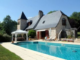 Handsomely renovated barn, tranquil setting, heated pool, Dordogne Valley