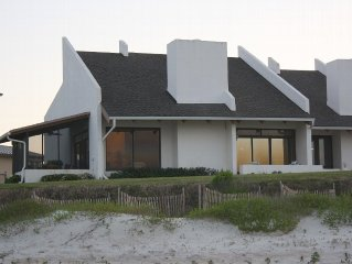 Captivating View- 4BR/3BA Ocean Front Unit/New Smyrna Beach, Florida USA