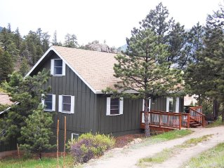 Estes Park Cottage-Secluded Yet Close To Estes & RMNP-Amazing Views!
