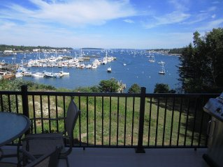 Hot Tub! Gorgeous Waterfront on Harbor with Private Dock