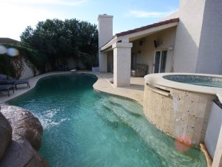 Luxury House In Paradise Valley With Private Pool & Hot Tub.