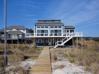 Luxurious custom waterfront house with a one-mile