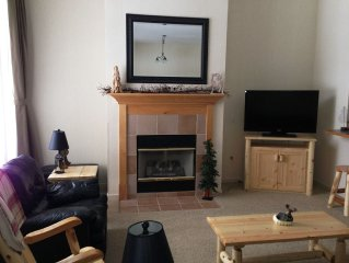 Beautiful Condo In Cedar River - great view of #18 & a few steps to the slopes!