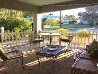 Clean, Updated, Well-Equipped & Pet Friendly House near Beaches, Cafe's & Shops