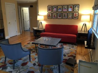 Contemporary Style And Comfort Convenient To Boston And Route 128
