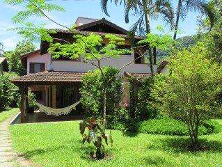 Casa com 3 suítes em condomínio na Barra do Sahy - 3 suites