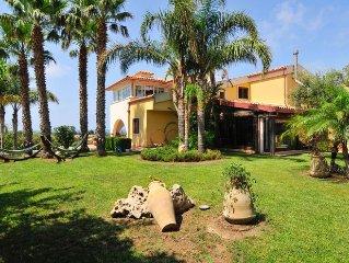 Spacious beachtown villa overlooking Mediterranean, dream kitchen and gardens!