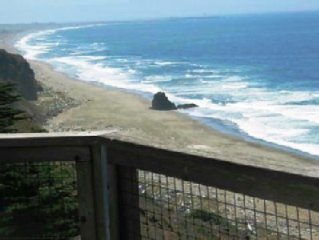 Ocean Front Home, Winter Whales Now, Panoramic Views, Pet Friendly