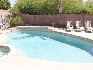 Beautiful Home w/Pool Table, Playstation3 , Heated Pool+Spa, Free NETFLIX, Wi-Fi