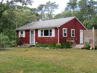 Bayside Cottage - 4/10 Miles To Cooks Brook Beach