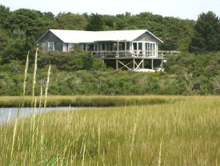 Quiet Rustic Escape With Sunrise And Sunset Views Over Cape Poge Pond