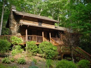 Log Cabin in NC Mtns.  Wooded quiet  WIFI  30 min to Boone 10 min to Jeff