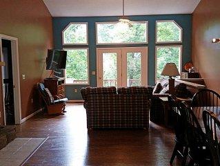 Hot Tub, Pool Table, Huge Decks, Great Views, 6 Bedrooms,  4 Baths, 2 Kitchens!