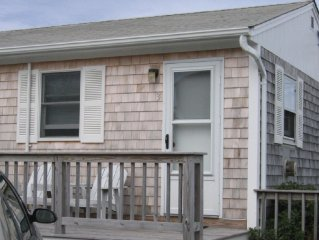 Quiet, peaceful cottage close to Provincetown with private beach & views of bay