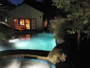 Beautiful Cottage w/ pool and Jacuzzi right out side your door