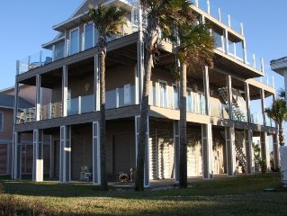 GORGEOUS HOME W/ POOL, 3 MASTER SUITES, STUNNING VIEWS, STEPS TO BEACH, ELEVATOR