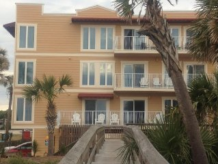 Located Right on Main Beach - Ocean Sounds...Family Friendly