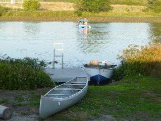 Lake Front Family Getaway, fishing, Canoeing, Kayaking, and relaxing.