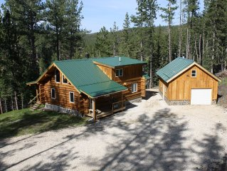 Beautiful Handcrafted Log Cabin in the Black Hills