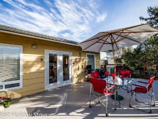 4 Bed Family Retreat Steps Away From Beach