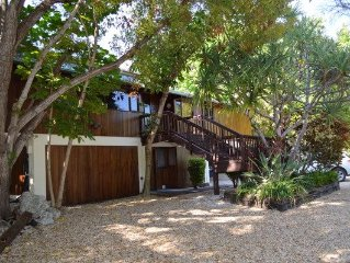 Lush Tropical Waterfront Oasis With Heated Pool, Dock And WiFi